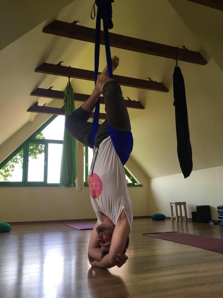 йога в гамаках 2