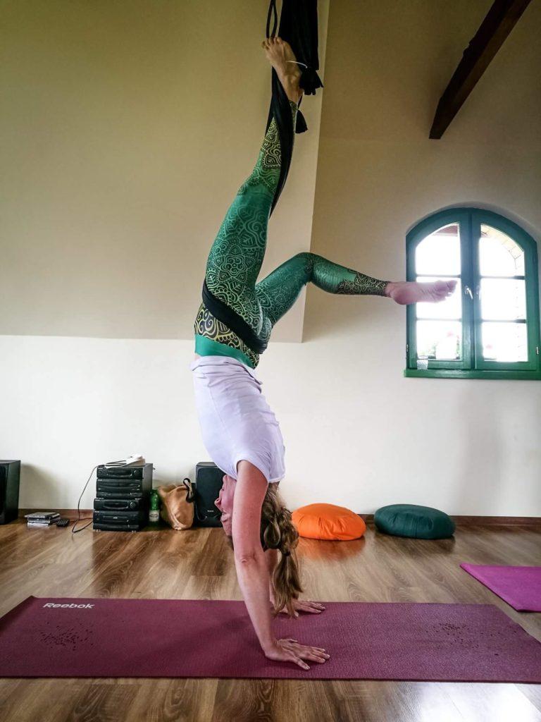 йога в гамаках 3