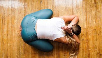 В Сети прошла волна «разоблачений» Аштанга-йоги. Но виноваты сами учащиеся