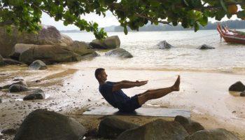 Навасана – «Поза лодки»